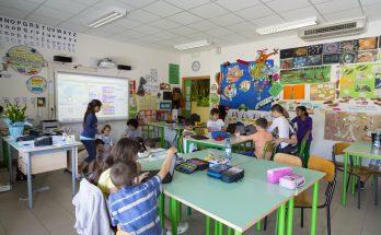 alunni in classe a San Felice sul Panaro